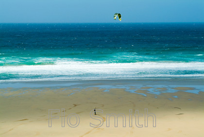FS0238WatergateKite1 