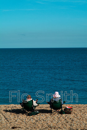 FS0273BeachCouple01 